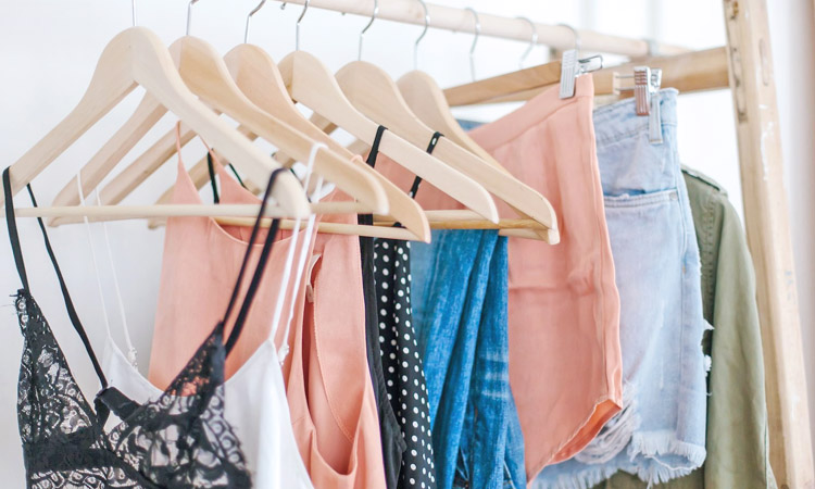 How to Choose the Right Color Clothes